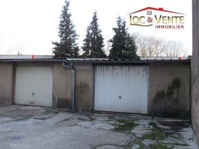 Vue: Garage privatif avec jardinet, Appartement � vendre de 4 pi�ce(s) sur 81 m� env.