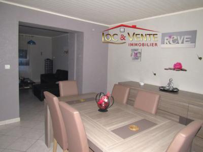Vue: Spacieux séjour de 29m², Appartement � vendre de 4 pi�ce(s) sur 81 m� env.