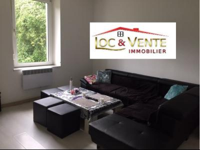 Vue: RDC : Salon, Maison de 3 appartements F3