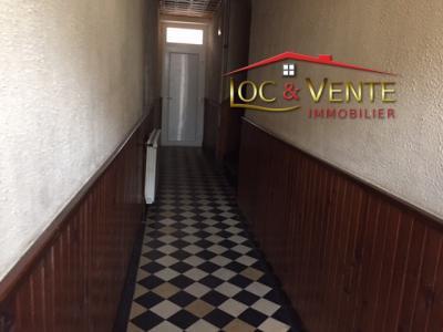 Vue: Entrée immeuble 3 appartements, Immeuble -  FLORANGE - 3 appartement(s) A R�NOVER