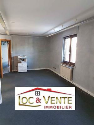 Vue: Local commercial + 4 appartements , Maison - Immeuble -  VITRY SUR ORNE - Appartement(s) + local commercial