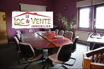 Vue: 90 m² de terrasses sous toiture à exploiter, Maison - Immeuble -  VITRY SUR ORNE - Appartement(s) + local commercial