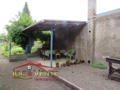 Vue: Terrasse + garage + remise + écurie, Vente GANDRANGE, Maison 70 m� - 2 chambres - Terrasse - jardin - garage