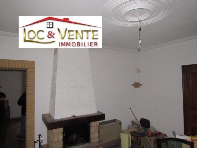 Vue: Salon de 18.93m² avec cheminée, Vente MOYEUVRE GRANDE, Maison 105 m� - 3 chambres + jardin + grenier am�nageable