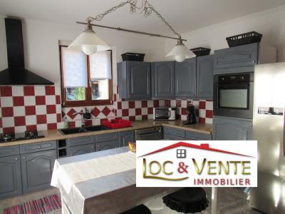 Vue: Cuisine équipée : 14m², Vente METZ, Maison 170 m� - habitation F6 +1 studio + 1F1