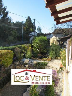 Vue: jardin 5 ares, Vente METZ, Maison 170 m� - habitation F6 +1 studio + 1F1