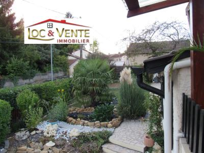 Vue: Beau jardin avec terrasse, Vente METZ, Maison 170 m� - habitation F6 +1 studio + 1F1