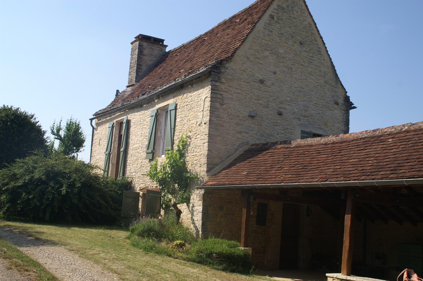 Lot, au calme, Charmante maison en pierres sur 4 ha attenants.