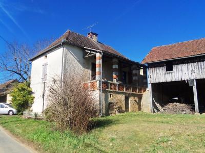 Lot, dans un joli hameau, Maison ancienne à rénover, grange et séchoir à tabac, 710 m² Degagnac