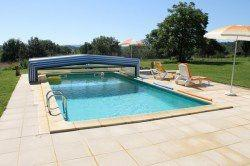 """Ancienne """"maison forte"""" et sa tour de guet, piscine et 2 hectares de terrain"""