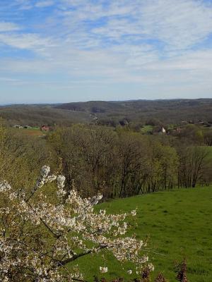Lot, Ancien corps de ferme en situation dominante sur 1 hectare