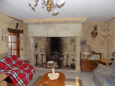 Dans un hameau tr�s calme, Charmante maison en pierres, 85 m� hab de suite.