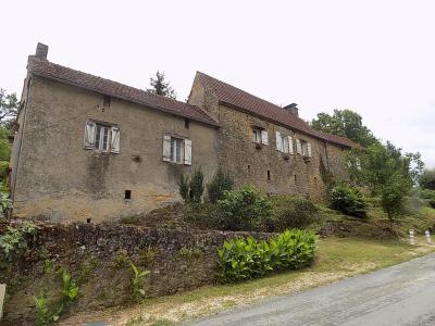 Dordogne, situation privil�gi�e, Superbe propri�t� sur 5 hectares avec vue fantastique