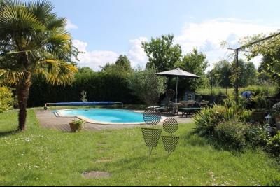 Lot / Dordogne, belle maison de 245 m� habitable, g�te, piscine et jardin