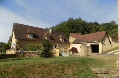 Dordogne, Potentiel à exploiter pour cette superbe propriété de 2.4 hectares avec piscine GROLEJAC