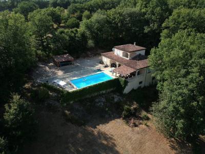 Situation privilégiée, belle demeure de style provençal avec piscine Salviac