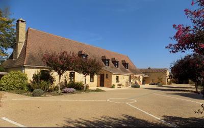 Dordogne, superbe propriété en pierres sur 2 hectares LE BUISSON DE CADOUIN