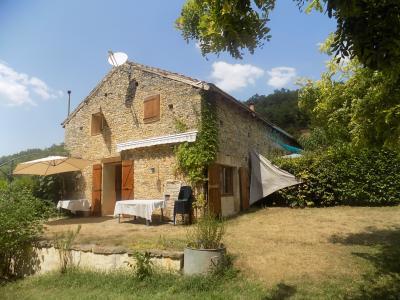 Proche ruisseau, charme et cachet pour ces 2 maisons en pierres sur 4000 m² de terrain ST MARTIAL DE NABIRAT