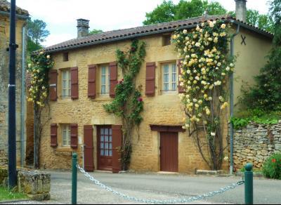 Maison de village avec grand jardin PRATS DU PERIGORD