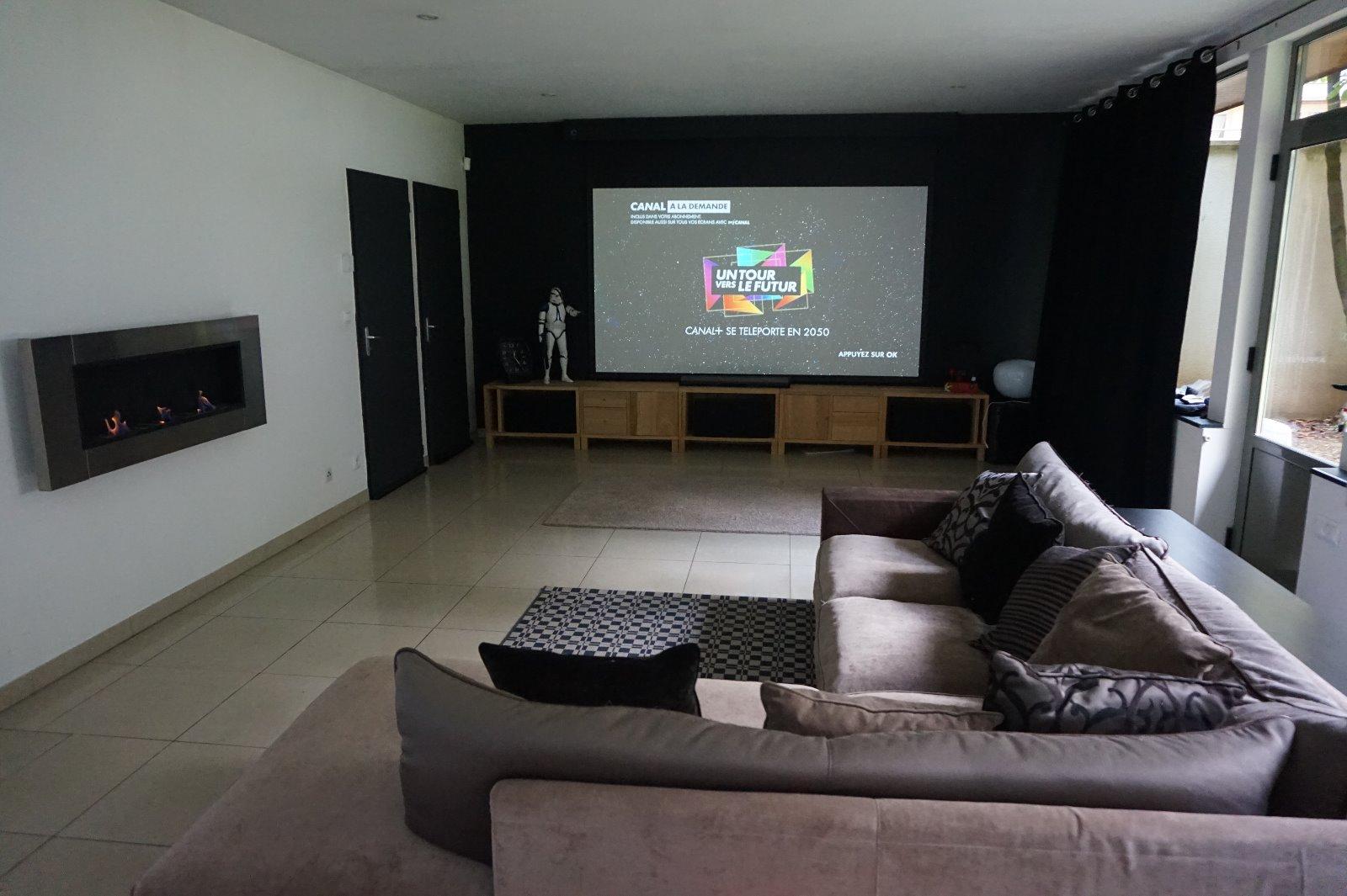 achat sedan appartement avec cour privative garage et places de parking priv turenne immo. Black Bedroom Furniture Sets. Home Design Ideas