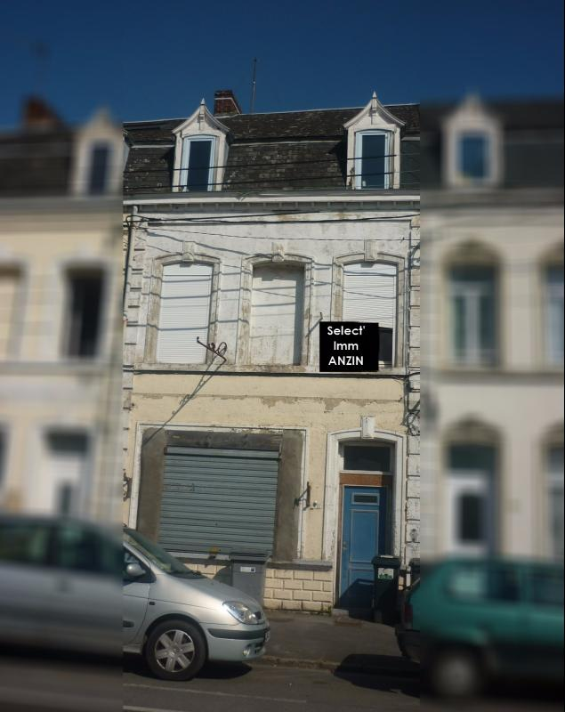 Vente CRESPIN Ancienne maison commerciale à rénover