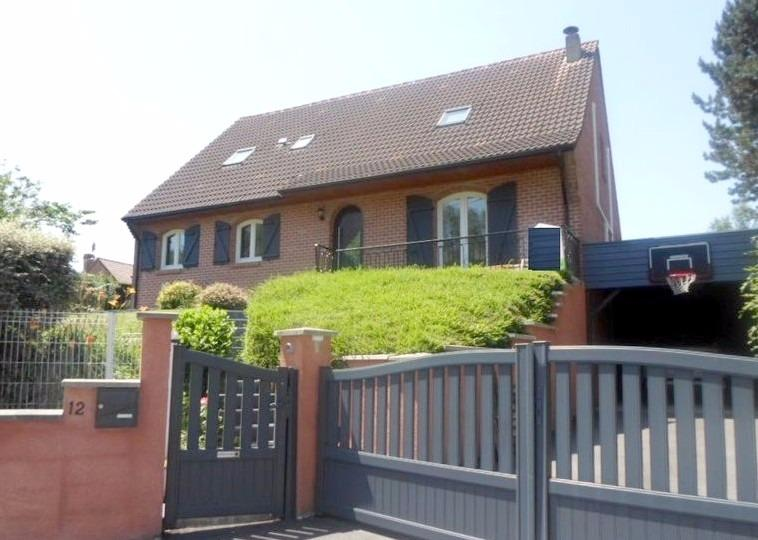 Vente SEBOURG Grand semi plain-pied 1994 5 chambres, jardin, secteur idéal
