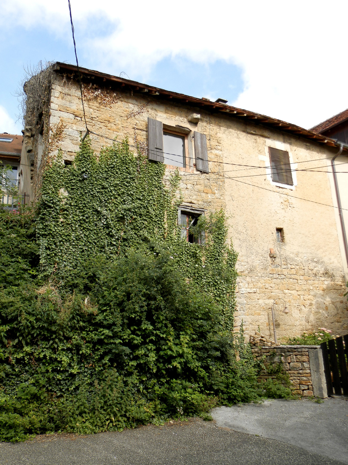 Vente Montaigu 39570 Maison De Village En Pierre 127 M Jardin