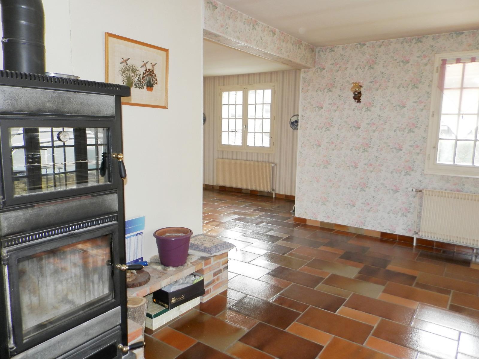 nevy sur seille 39 vendre maison familiale 200 m env sur terrain 2983 m avec piscine. Black Bedroom Furniture Sets. Home Design Ideas
