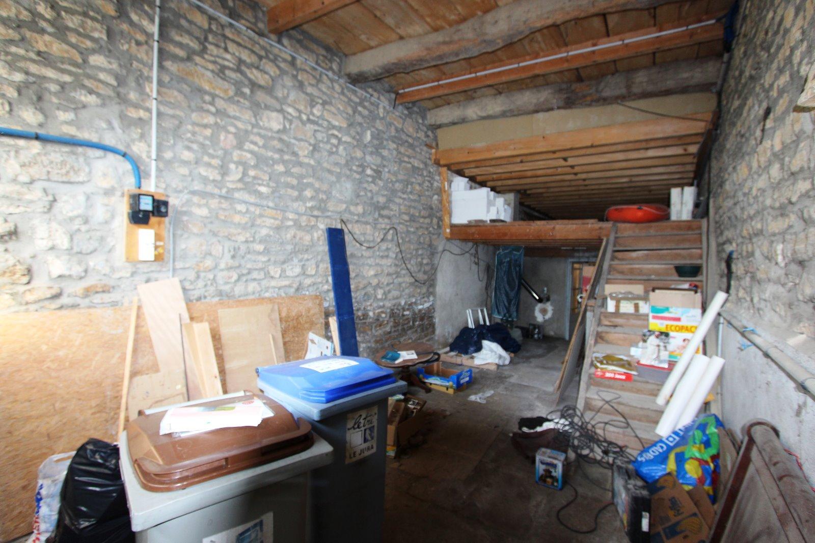 Lons le saunier nord 39 jura vendre maison pierre 4 for Garage solidaire lons le saunier
