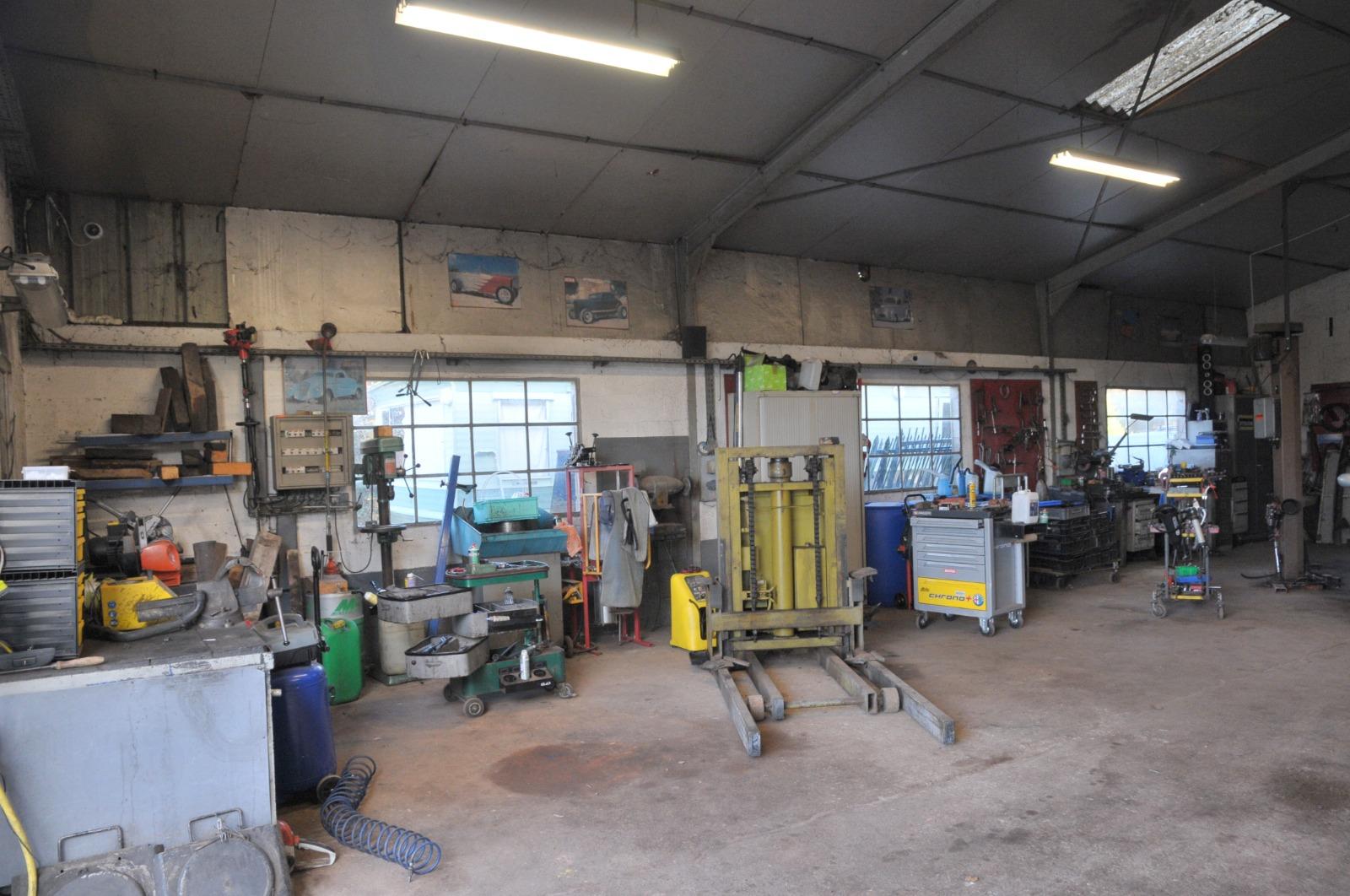 A vendre garage automobile murs et fond de commerce et maison d 39 habitation 3d immobilier - Commerce garage a vendre ...