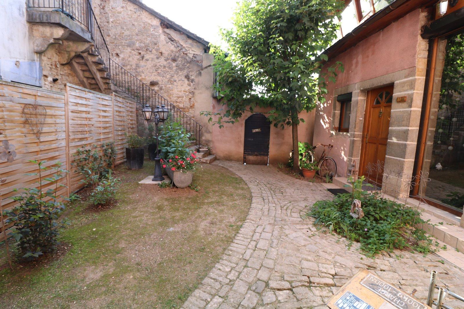 Poligny vends maison de ville de 7 pi ces 194m for Calcul frais de notaire garage