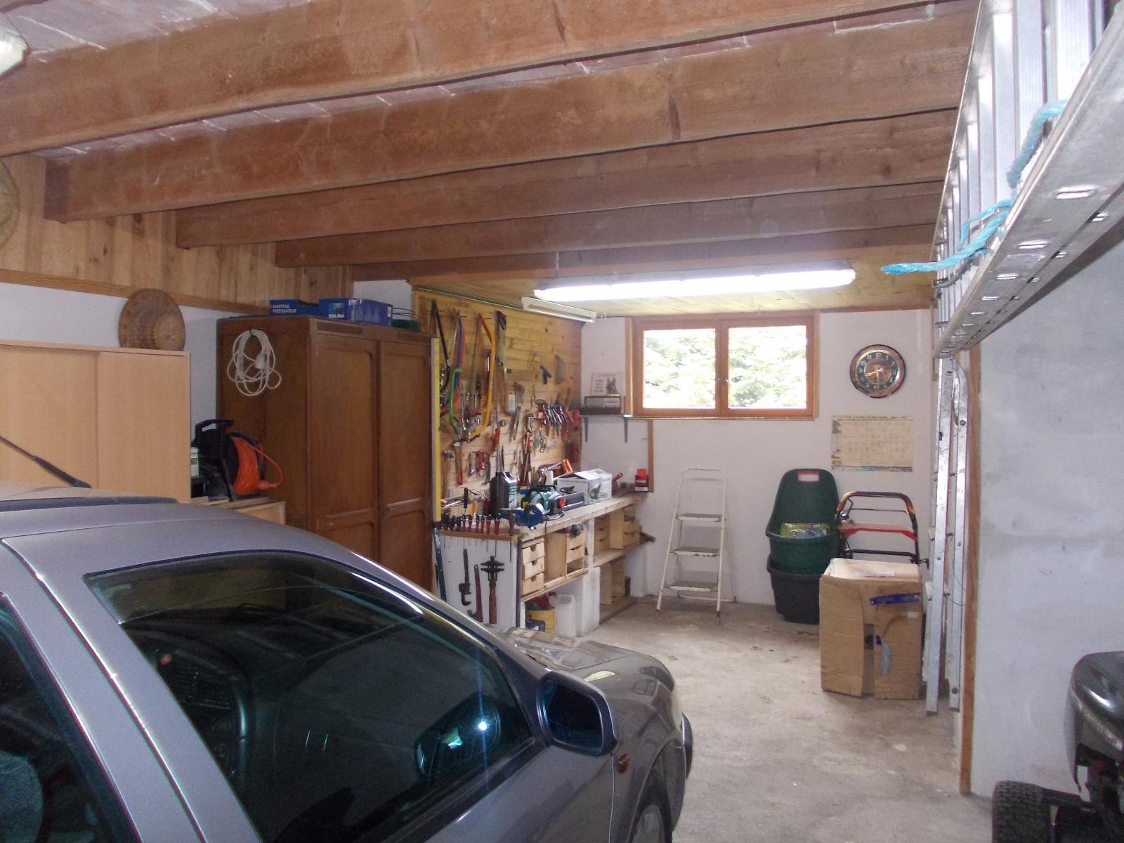 Secteur chaussin vends maison ferme de 5 pi ces 130m annexe sur 2500m de terrain clos - Frais de notaire achat garage ...