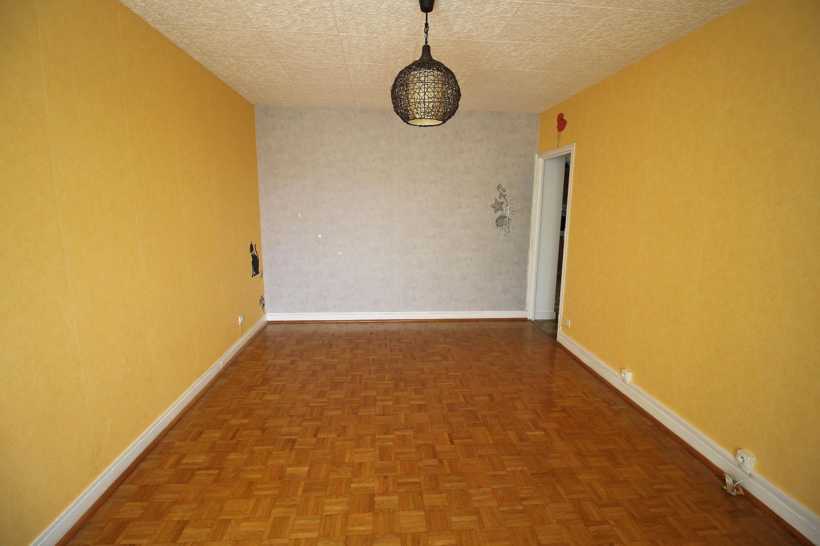 Vente lons le saunier 39 jura vends appartement 76 m env 3 chambres balcon garage 1er - Garage thevenod lons le saunier ...