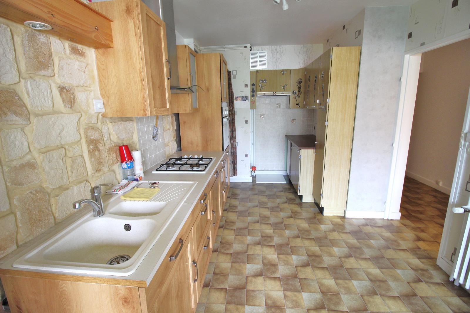 Vente lons le saunier 39 jura vends appartement 76 m for Garage solidaire lons le saunier