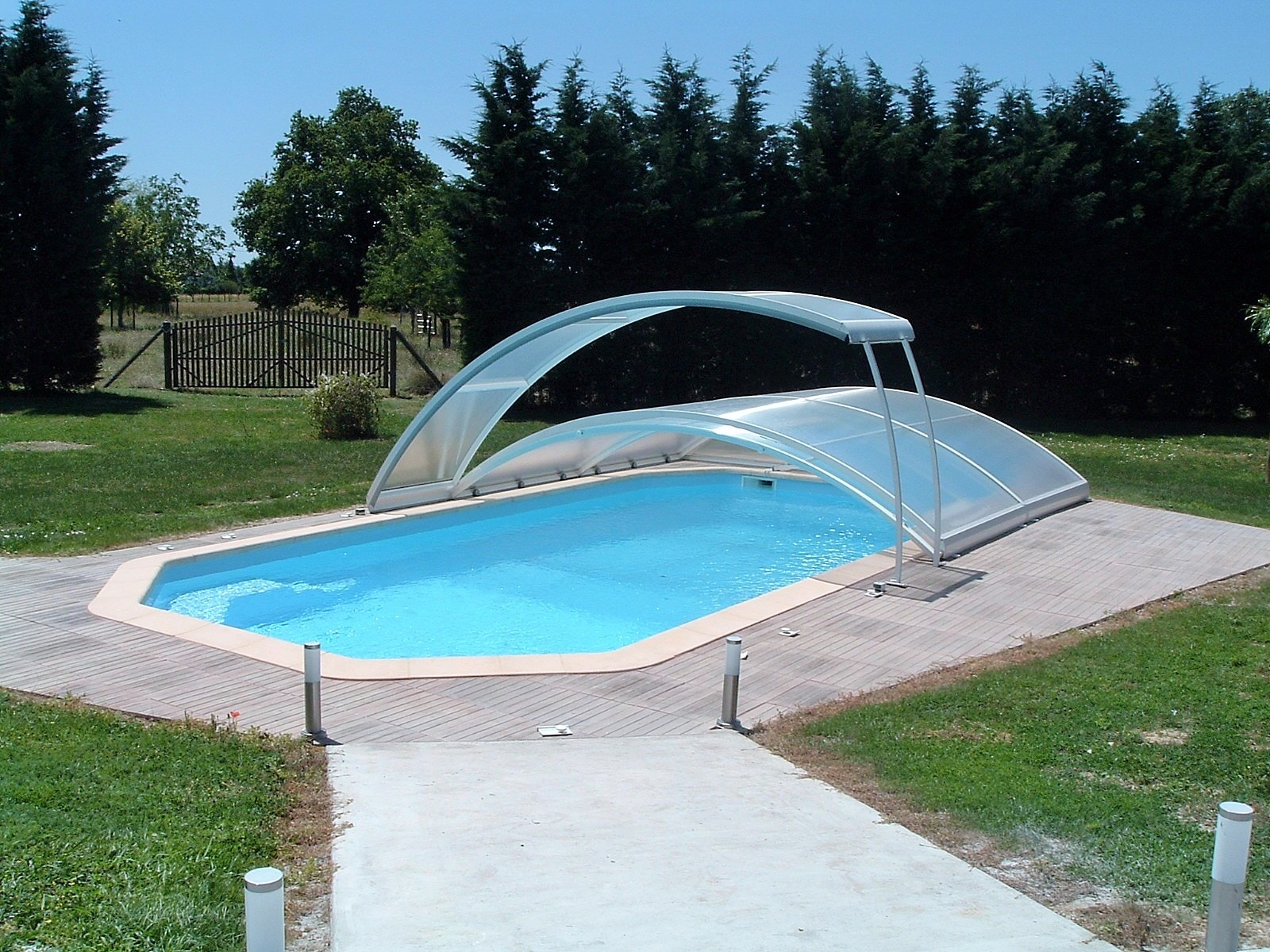 Lons le saunier jura 39000 8km vends belle villa 150m env for Piscine aquarel lons