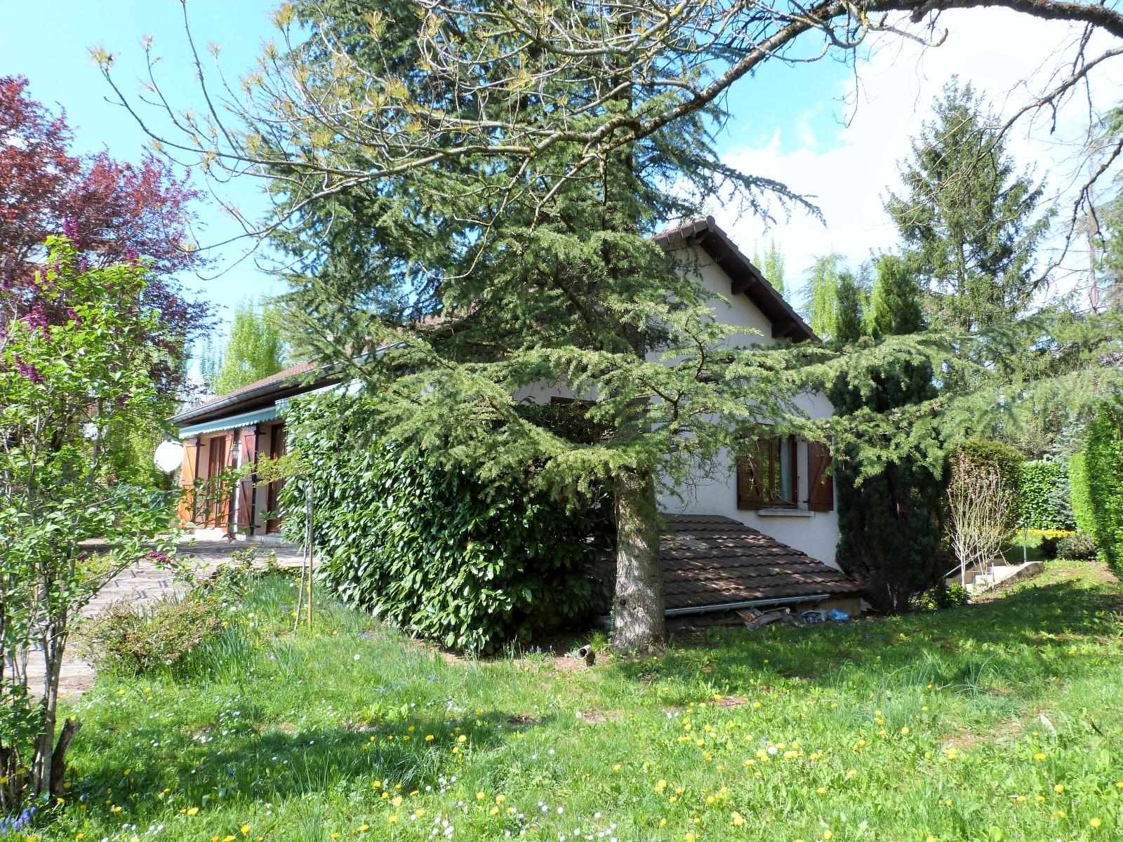 Lons le saunier 39 jura proche centre maison 1983 160m env sur beau terrain clos de 1075m env - Garage thevenod lons le saunier ...