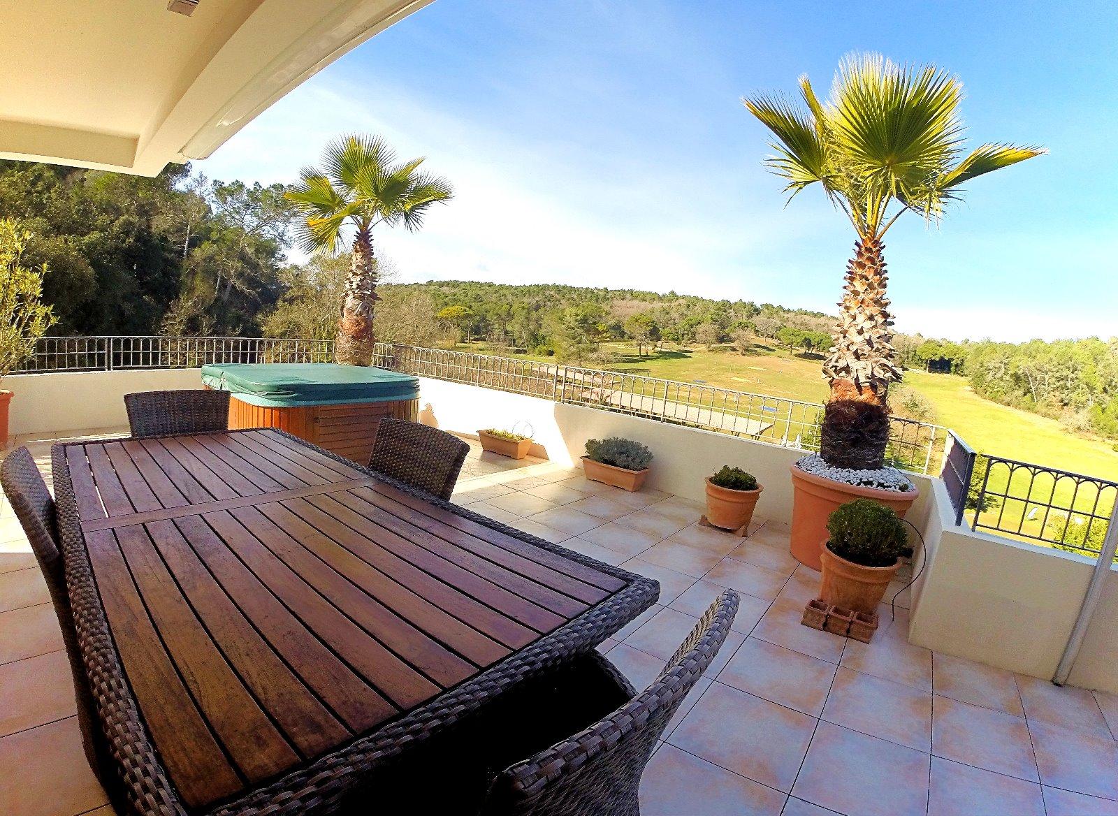 valbonne 06 alpes maritimes a vendre villa sur toit appartement avec 130m2 toit terrasse 3d