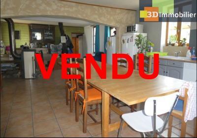 Chaussin (39 - Jura) à Vendre maison sur deux niveaux, 4 chambres, terrain de 600 m²., FACADE NORD
