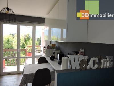 Aix-les-Bains (73100), à 700 mètres du Lac, à vendre appartement 2 chambres, 90m2 refais à neuf, CUISINE