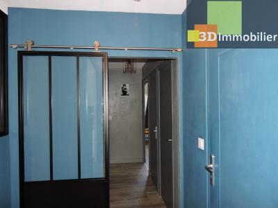 Aix-les-Bains (73100), à 700 mètres du Lac, à vendre appartement 2 chambres, 90m2 refais à neuf, COULOIR