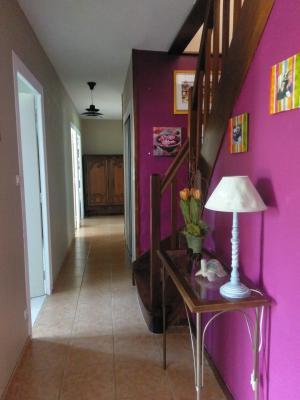 BEAUNE, à vendre maison contemporaine de 10 pièces rénovées, combles aménagés, sur terrain arboré., Ext