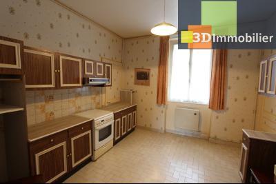 Lons-le-Saunier à 2 pas du centre ville, vends une maison de 12 pièces avec dépendances., CUISINE REZ-DE-CHAUSSEE