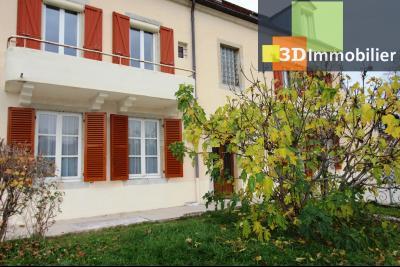 Lons-le-Saunier à 2 pas du centre ville, vends une maison de 12 pièces avec dépendances., MAISON BOURGEOISE A VENDRE