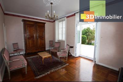 Lons-le-Saunier à 2 pas du centre ville, vends une maison de 12 pièces avec dépendances., SALON 1 REZ-DE-CHAUSSEE