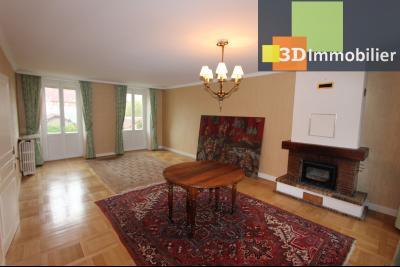 Lons-le-Saunier à 2 pas du centre ville, vends une maison de 12 pièces avec dépendances., SALLE A MANGER ETAGE 1
