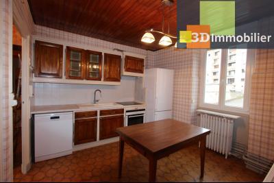 Lons-le-Saunier à 2 pas du centre ville, vends une maison de 12 pièces avec dépendances., CUISINE ETAGE 1