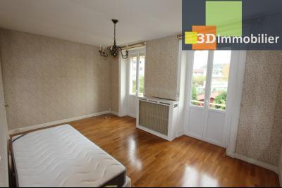 Lons-le-Saunier à 2 pas du centre ville, vends une maison de 12 pièces avec dépendances., CHAMBRE ETAGE 1