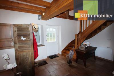Lons-le-Saunier (Jura), à  vendre maison de caractère, 3 chambres sur terrain clos avec étang, ENTREE