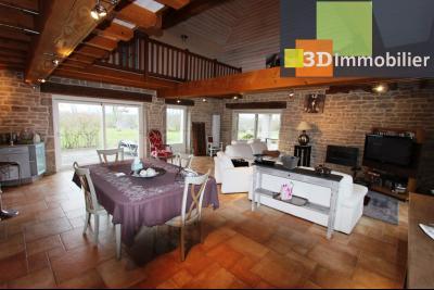 Lons-le-Saunier (Jura), à  vendre maison de caractère, 3 chambres sur terrain clos avec étang, PIECE DE VIE 80 m²