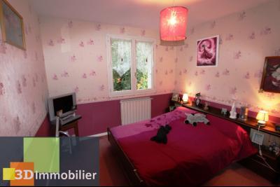 LONS-LE-SAUNIER SUD (Jura), à vendre GRANDE PROPRIETE de 4 chambres sur 2 hectares.,
